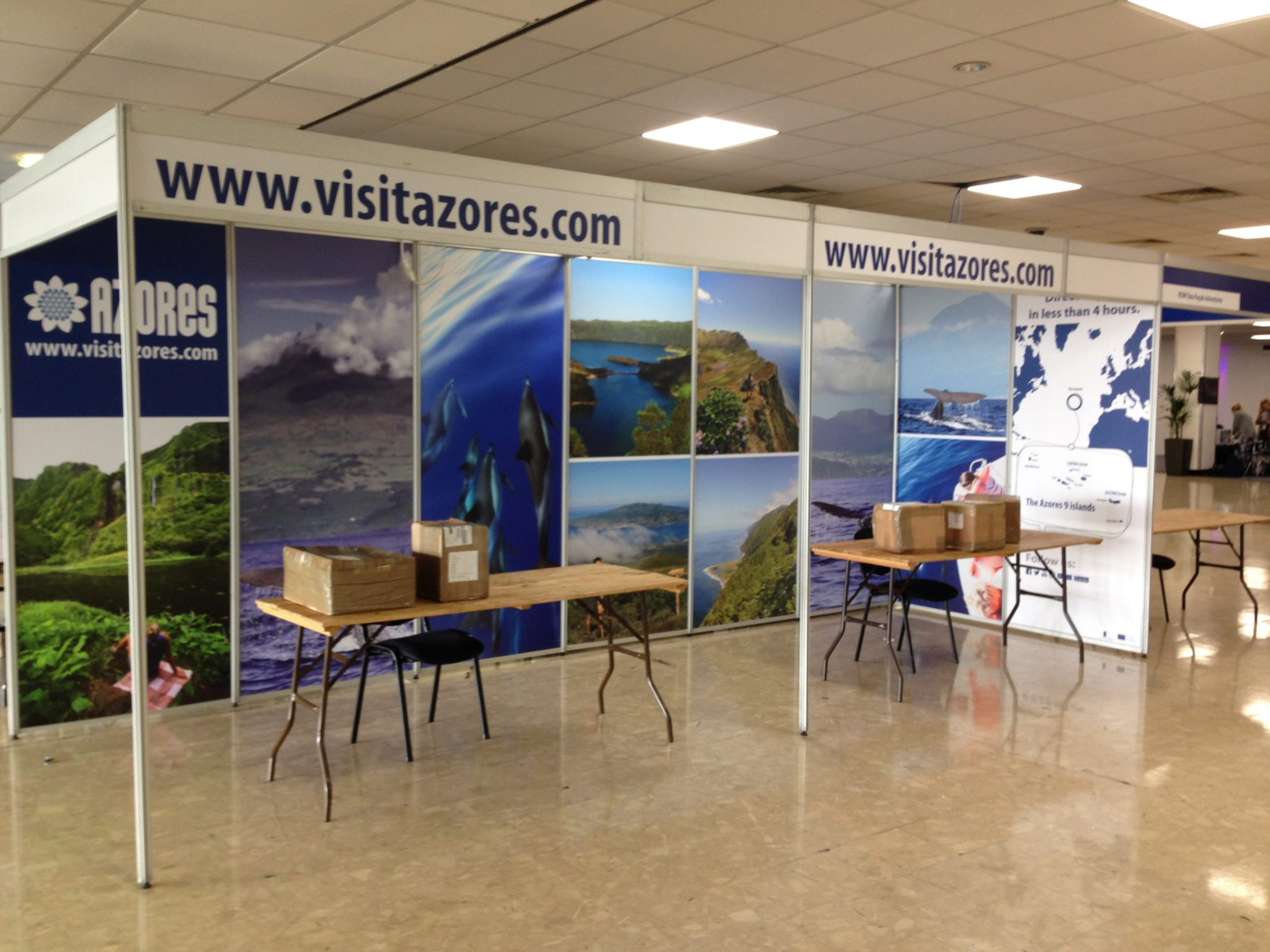 Exhibition Stand Wall Panels : Exhibition lighting hire exhibition par can lighting hire